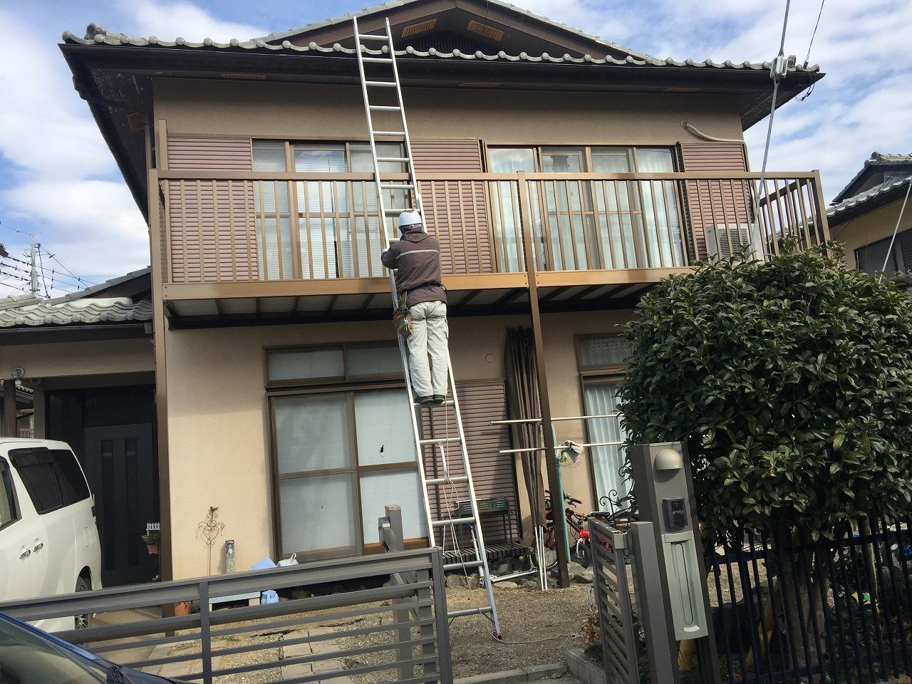 埼玉県川越市で屋根漆喰・外壁調査・塗装の下塗り重要性のご説明