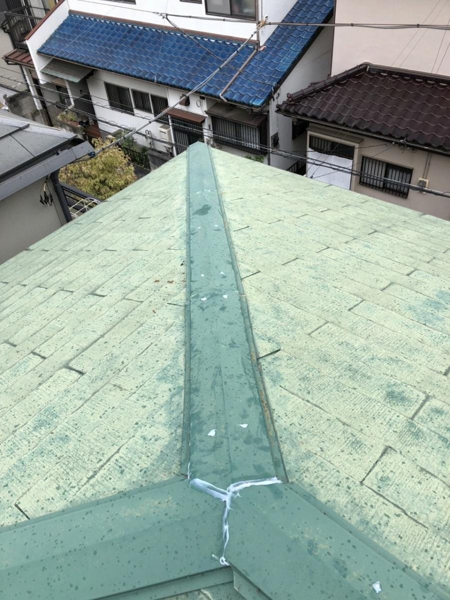川越市台風被害で棟板金飛散し応急処置