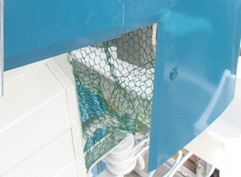 鳥の侵入を防ぐ鳥除けネット