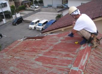 屋根工事の様子