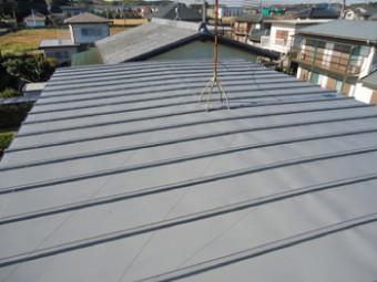 錆止めを塗布後の屋根